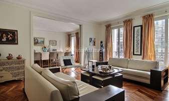 Rent Apartment 3 Bedrooms 230m² rue Spontini, 16 Paris
