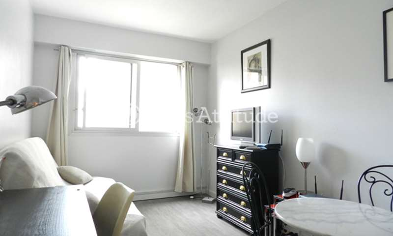 Rent Apartment Studio 19m² rue de la Pompe, 75016 Paris