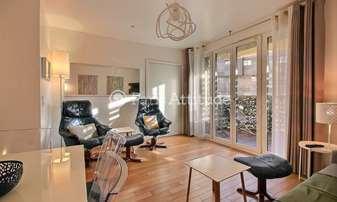 Location Appartement 1 Chambre 42m² boulevard de Grenelle, 15 Paris