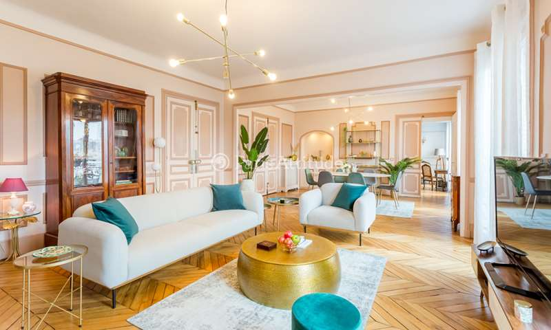 Rent Apartment 3 Bedroom 160m² rue de Rome, 75008 Paris