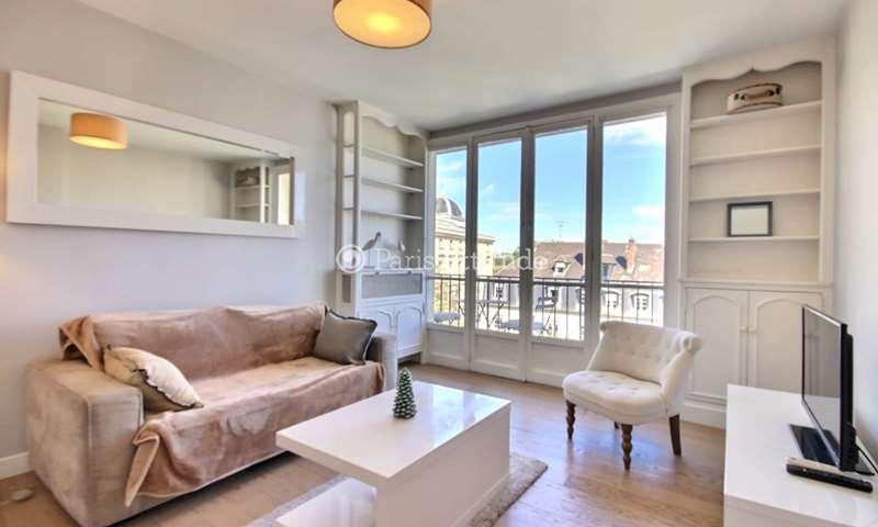 Location Appartement 1 Chambre 51m² rue Geoffroy Saint Hilaire, 75005 Paris